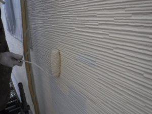 外壁中塗り(上塗り1回目)