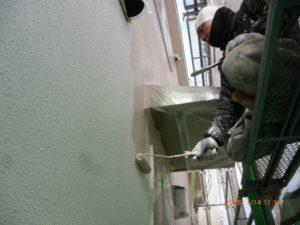 外壁中塗り上塗り1回目