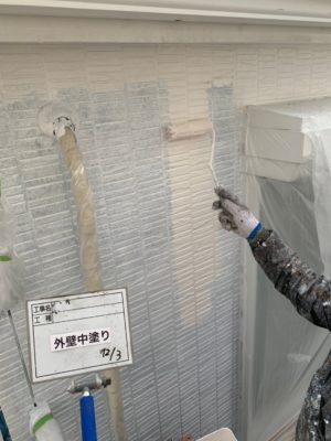 外壁中塗り1回目